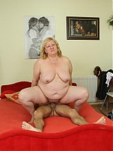 The fat blonde mature gets sexed up by his dick and she takes his cum on her face